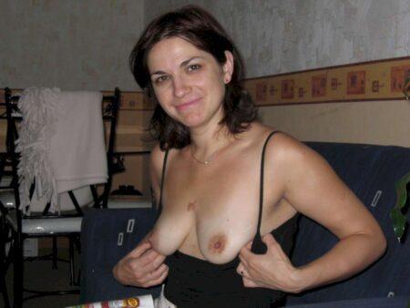 Très jolie femme cougar sexy intéressée par un plan libertin